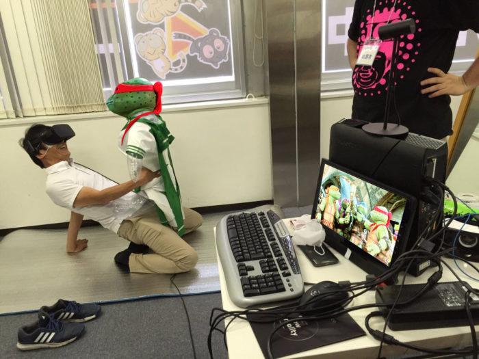 Quand internet décide de modifier sur Photoshop la photo d'un gamer qui teste le sexe en réalité virtuelle