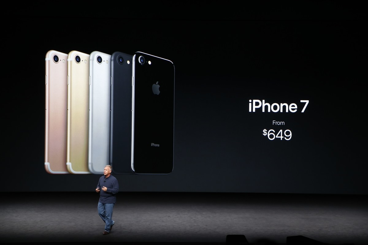 apple-holds-press-event-to-introduce-new-iphone_original-2