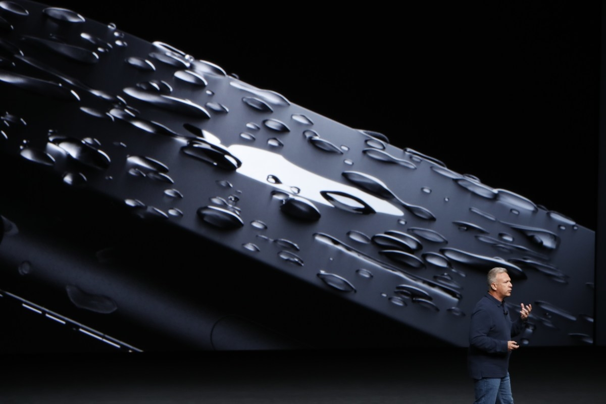 apple-holds-press-event-to-introduce-new-iphone_original-7