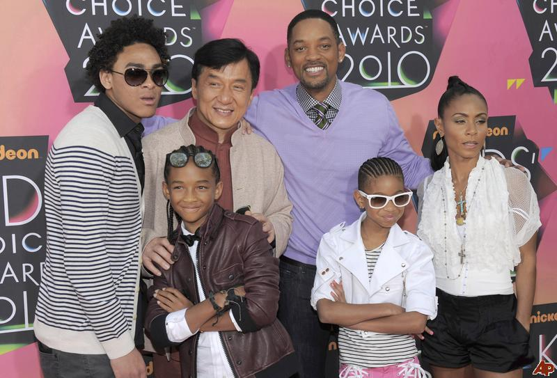 trey-smith-jackie-chan-will-smith-jada-pinkett-smith-jaden-smith-willow-smith-2010-3-27-18-50-8