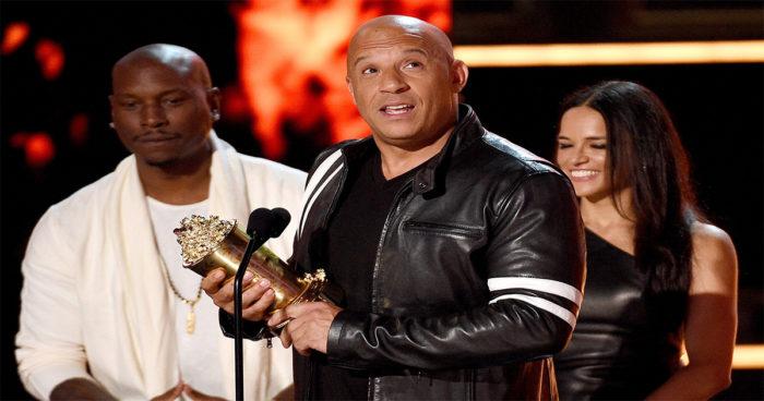Vin Diesel a rendu un bel hommage à Paul Walker aux MTV Movie Awards!