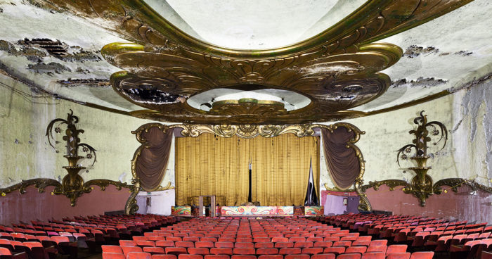 Des images de 12 vieux Cinémas abandonnés qu'on devrait absolument restaurer!