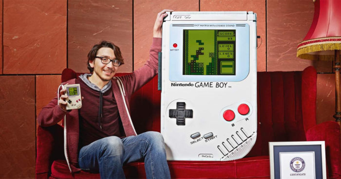 Guiness World Records: Un étudiant a construit la plus grande Game Boy au monde!