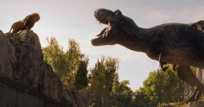 Jurassic World: Un T-Rex face à un lion dans le nouveau teaser