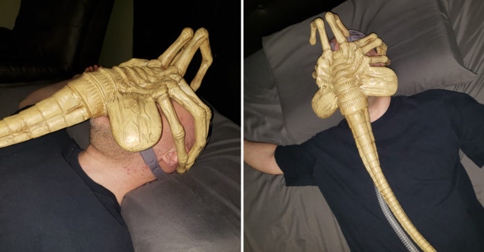Atteint d'apnée du sommeil, cet homme transforme son masque respiratoire en Alien