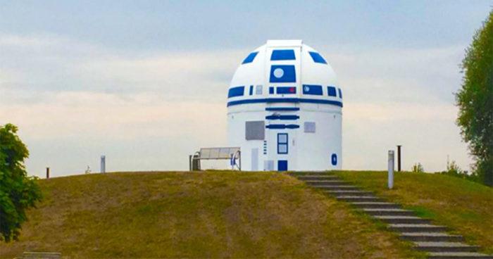 Un professeur d'université fan de Star Wars a repeint un observatoire en R2-D2