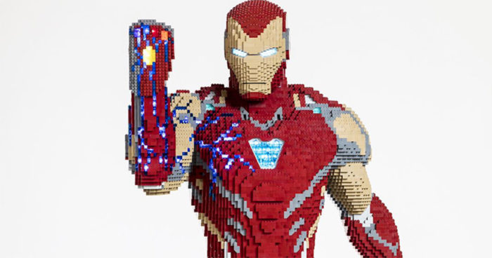 LEGO a construit un Iron Man grandeur nature pour le Comic-Con de San Diego
