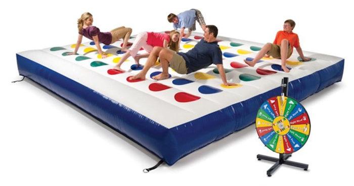 Cette compagnie vous propose une version géante et gonflable de Twister