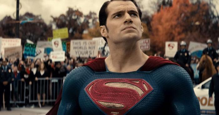 Henry Cavill n'a pas l'intention d'abandonner son rôle de Superman