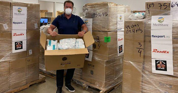 Arnold Schwarzenegger a récolté 1 million de dollars pour fournir de l'équipement aux personnels médical