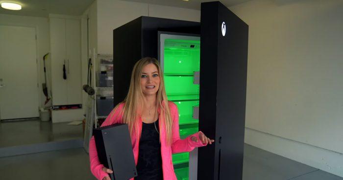 Microsoft a fabriqué un réfrigérateur Xbox Series X pour répondre aux memes sur internet
